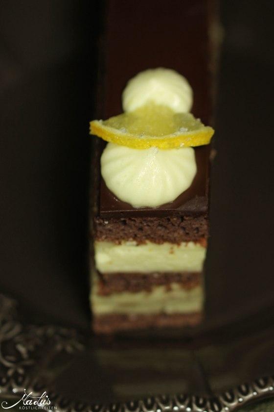 Schokoladenschnitten mit Zitrone und Avocado 139