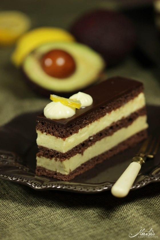 Schokoladenschnitten mit Zitrone und Avocado 96