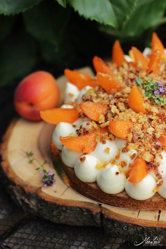 Aprikosen Knuspertarte mit Zitronenthymian 1