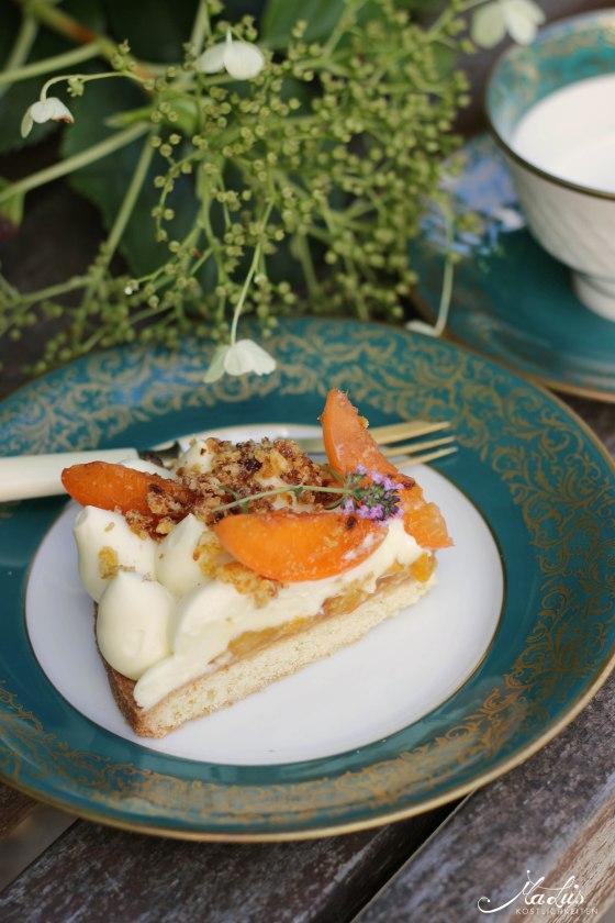 Aprikosen Knuspertarte mit Zitronenthymian 10