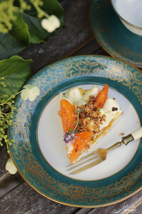 Aprikosen Knuspertarte mit Zitronenthymian 3
