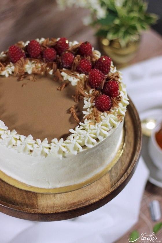 Earl Grey Schokoladentorte mit Himbeeren 8