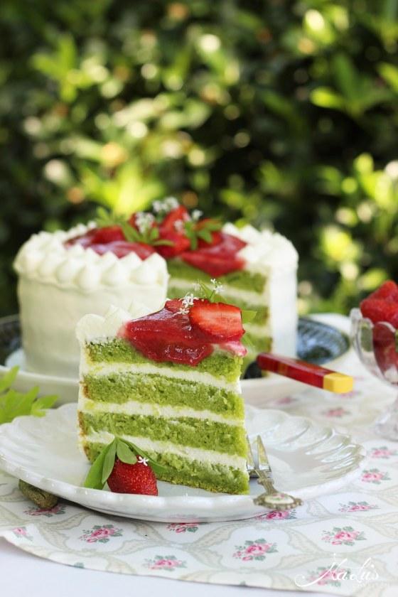 Waldmeistertorte mit Erdbeeren - Natürlich Maigrün