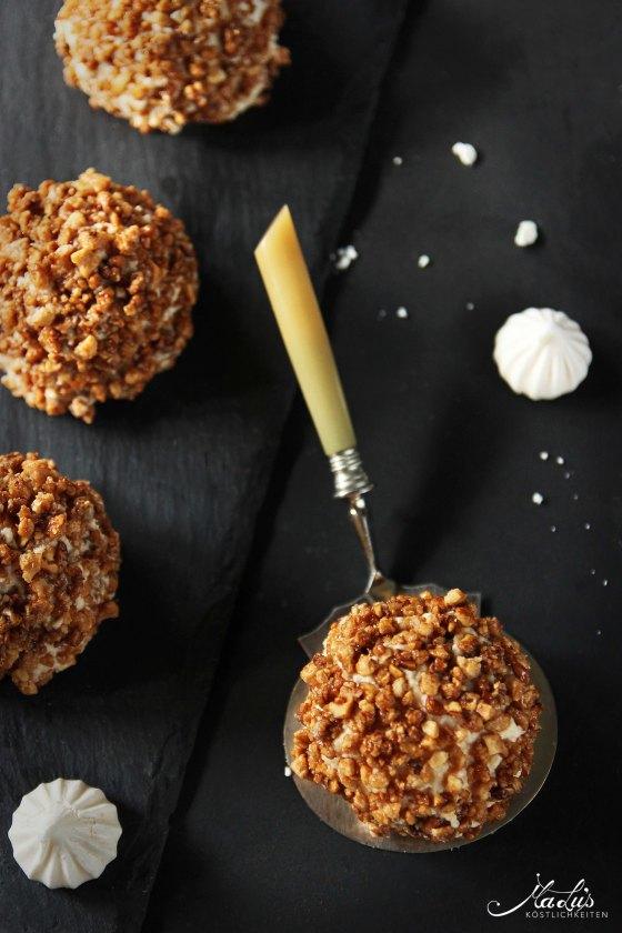 Merveilleux - Baisertörtchen mit Salzkaramell & Erdnusskrokant | MaLu's Köstlichkeiten